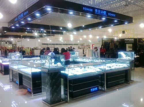 章丘利群购物中心